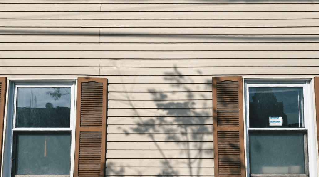 If you are trying to figure out how to pick the right siding for a house, this will breakdown the important facts that you need to know to choose correctly.
